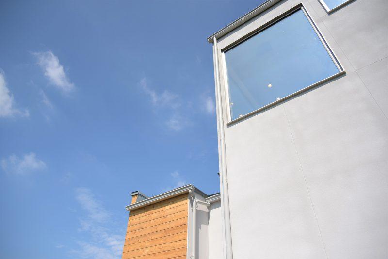 風景を切り取る窓の家