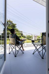 茶畑を望めるゆったりとした空気の流れる家